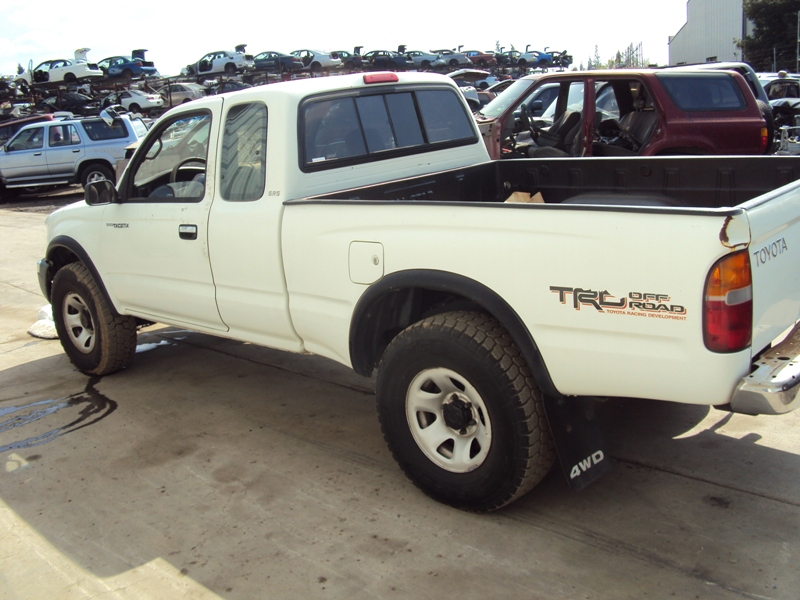 1998 TOYOTA TACOMA XTRA CAB DELUXE MODEL WITH TRD OFF ROAD PACKAGE