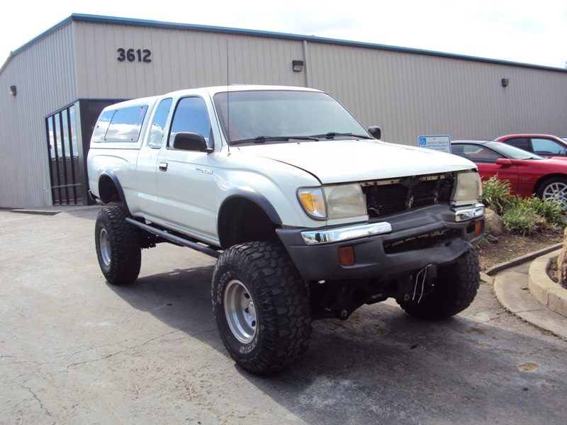 1998 TOYOTA TACOMA XTRA CAB DELUXE MODEL WITH TRD PACKAGE 34L V6