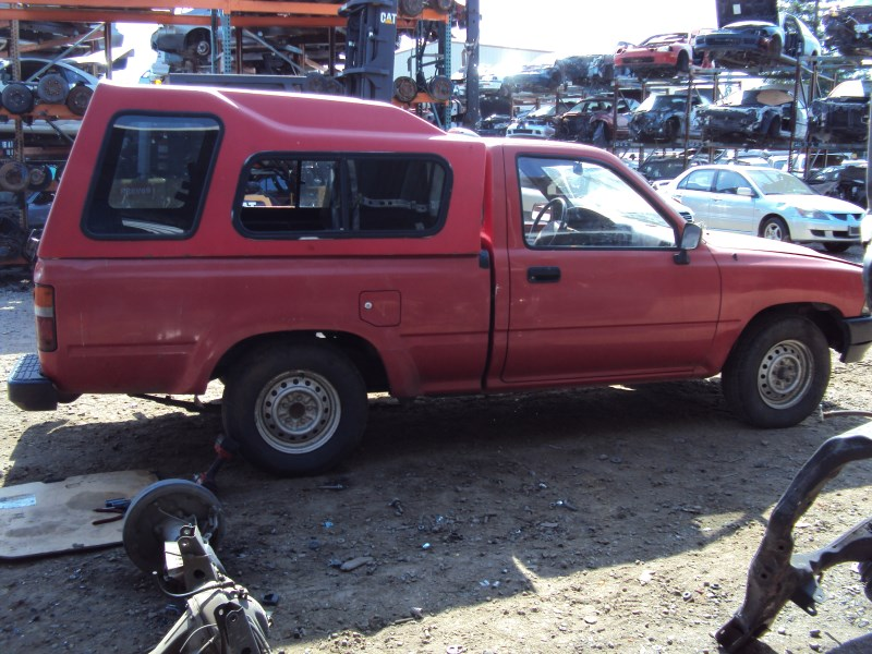 1994 TOYOTA PICK UP TRUCK STD MODEL REGULAR CAB 24L EFI