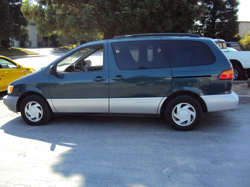 1998 toyota sienna van xle model 3 0l v6 at fwd color green z13502 rancho toyota recycling