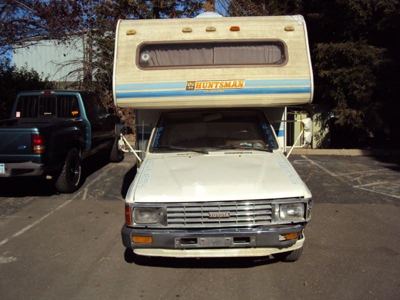 1985 TOYOTA PICK UP MOBILE HOME REGULAR CAB DLX MODEL 24L