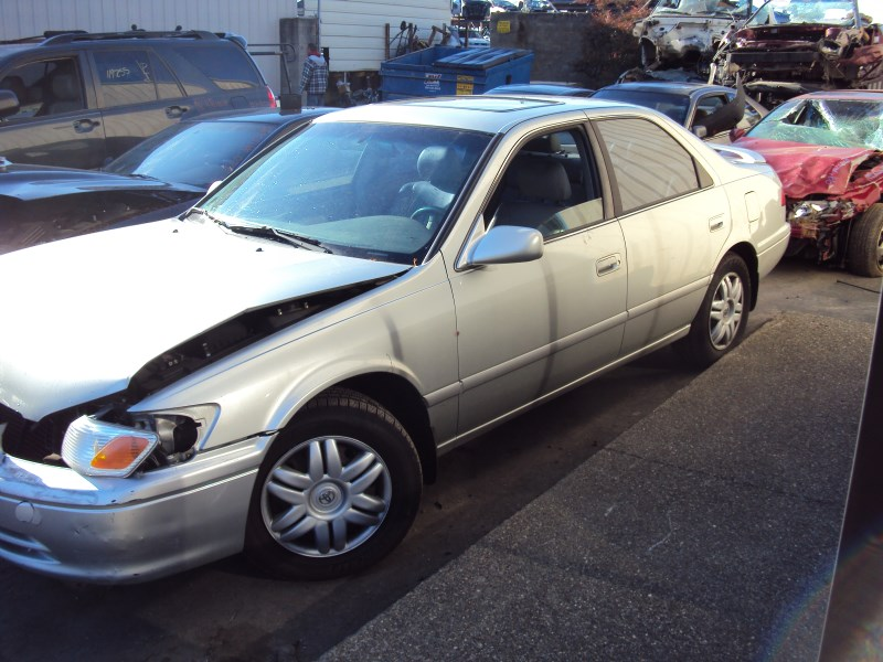 2000 Toyota Camry 4 Door Sedan Le Model 2 2l At Fwd Color
