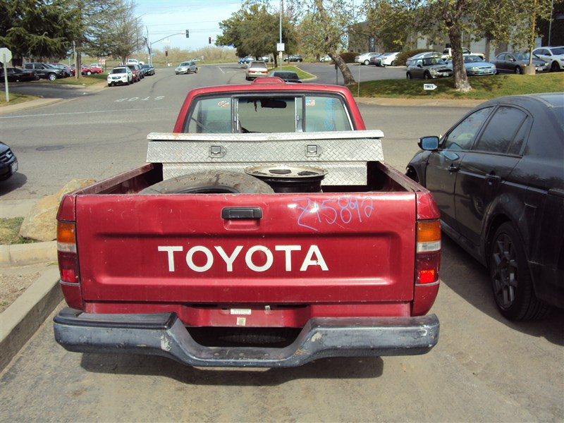 1995 TOYOTA PICK UP 24L 5SPEED 2WD COLOR RED STK