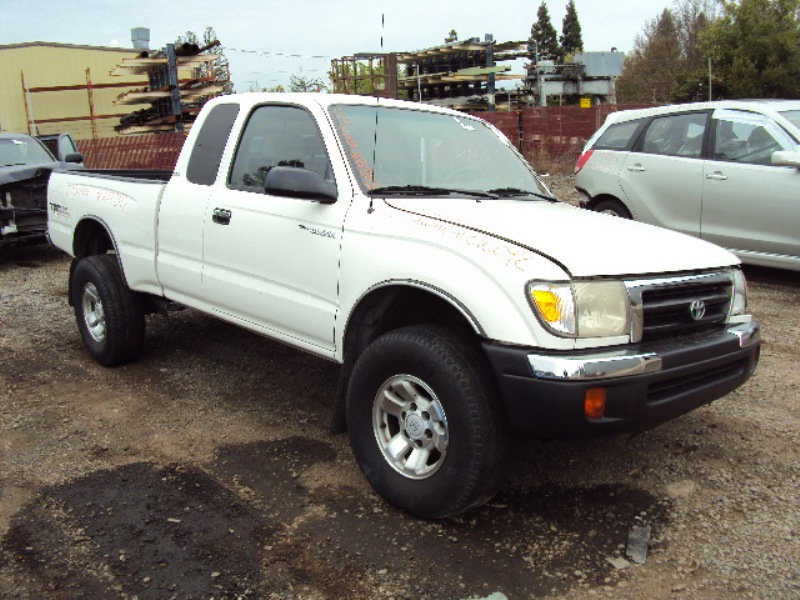 ... 2000 TOYOTA TACOMA XTRA CAB PRE RUNNER 3.4L AT 2WD COLOR WHITE STK  Z12242