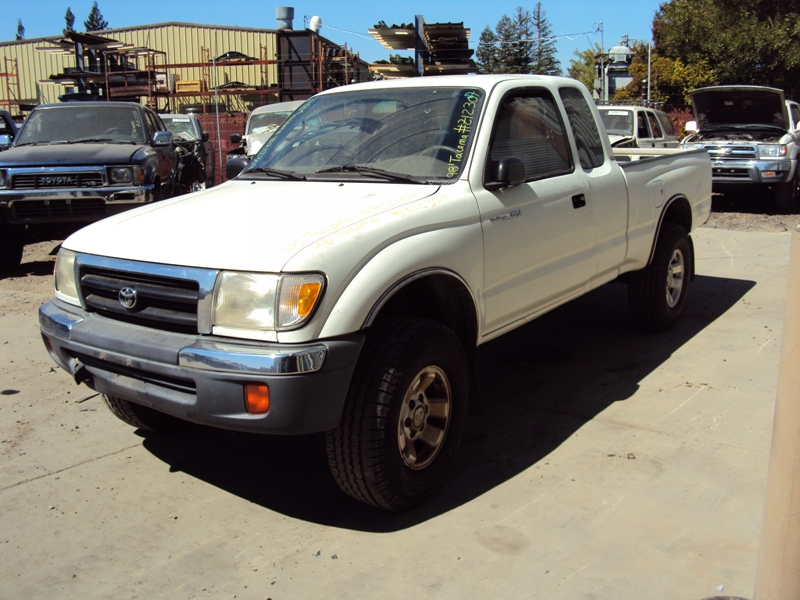 1998 TOYOTA TACOMA XTRA CAB PRE RUNNER 27L AT 2WD COLOR WHITE STK