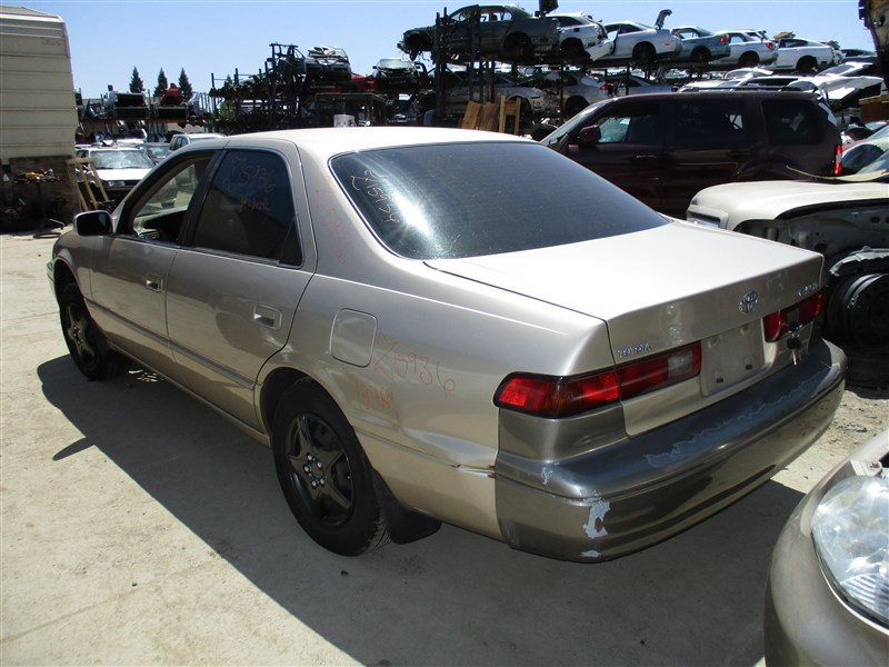 1998 toyota camry le 2 2l auto color gold stk z15936. Black Bedroom Furniture Sets. Home Design Ideas