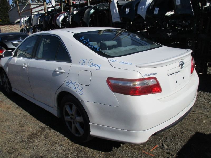 Captivating ... 2008 TOYOTA CAMRY SE WHITE 3.5L AT Z17633