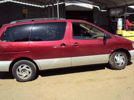1999 TOYOTA SIENNA VAN XLE MODEL 5 DOORS 3.0L V6 AT FWD COLOR RED Z14683