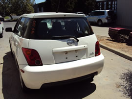 2004 TOYOTA SCION XA MODEL 4 DOOR HATCHBACK 1.5L AT FWD COLOR WHITE Z14717