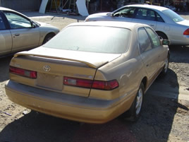 1997 TOYOTA CAMARY ENGINE: 2.2L AUTOMATIC COLOR: GOLD STK:Z09027