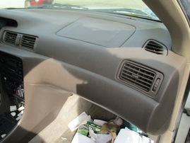 1999 TOYOTA CAMRY LE WHITE 2.2L AT Z17604