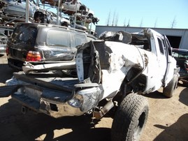 2006 TOYOTA TACOMA WHITE XTRA CAB 4.L MT 4WD Z18219