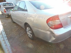 2004 TOYOTA CAMRY LE SILVER 2.4 AT Z19826