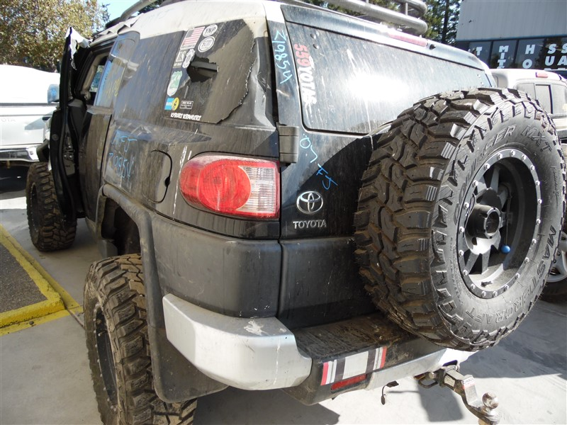 2007 TOYOTA FJ CRUISER BLACK/WHITE 4.0 AT 4WD Z19854