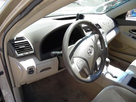 2007 TOYOTA CAMRY LE 4 DOOR GOLD 2.4 AT Z19682