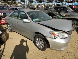 2002 TOYOTA CAMRY LE SILVER 2.5 AT Z20111