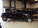 2005 TOYOTA TACOMA 4 DOOR CREW CAB SR5 PRE-RUNNER MODEL 4.0L V6 AT 2WD COLOR BLACK Z12251