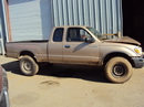 1998 TOYOTA TACOMA XTRA CAB DLX MODEL SR5 2.7L MT 4X4 COLOR GOLD STK Z13385